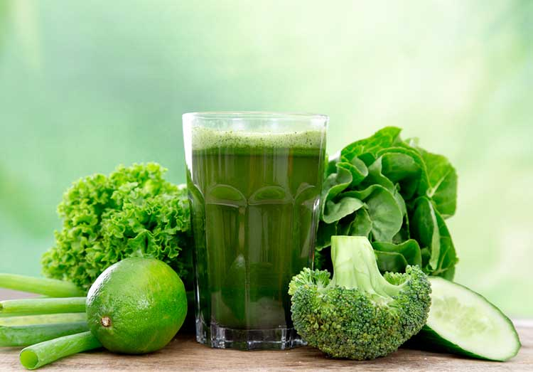 Green juice Plus Apples and spinach