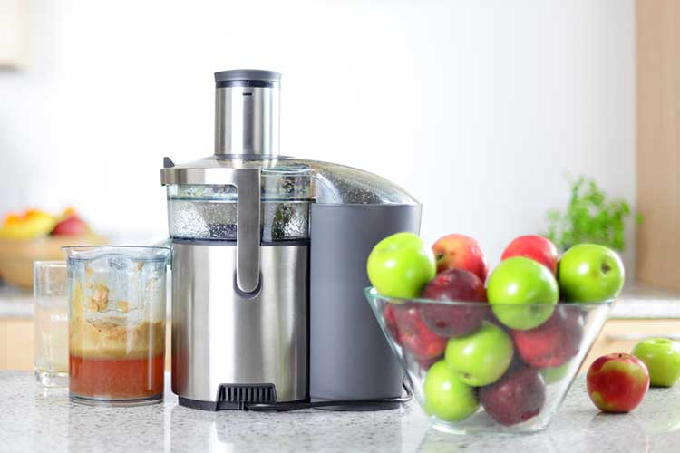 apple juice and a juicer